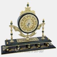 Настольные часы с колоннами